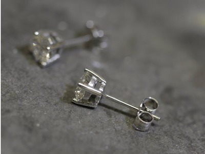 Jollys Jewellers - Mansfield - How To Make Diamond Stud Earrings
