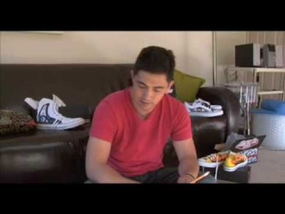 Custom Shoes: Basic Tips for Vans and Chucks by Louie Gong