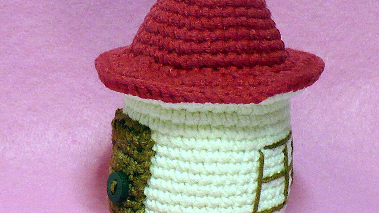 How To Create A Cute Round Crochet House - DIY Crafts Tutorial - Guidecentral