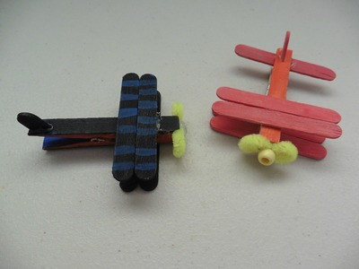 Aviones hechos con pinzas para la ropa
