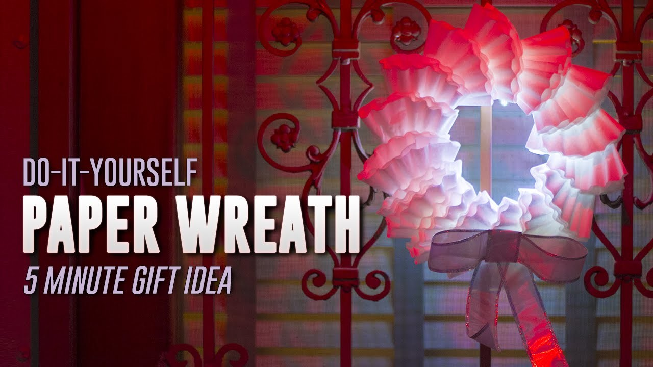 Make an Awesome Paper Wreath | DIY Gifts #3
