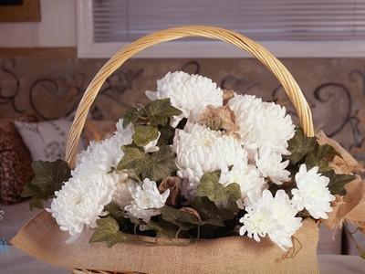 Chrysanthemum Mother's Day Floristry Arrangement