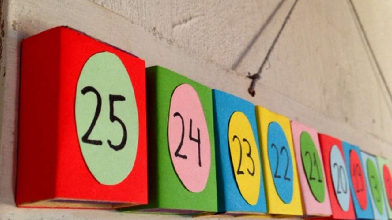 How To Make A Countdown Advent Calender For The Kids - DIY Crafts Tutorial - Guidecentral
