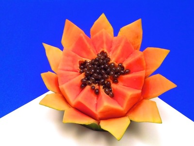 How to Make a Flower with a Papaya in One Minute (HD)