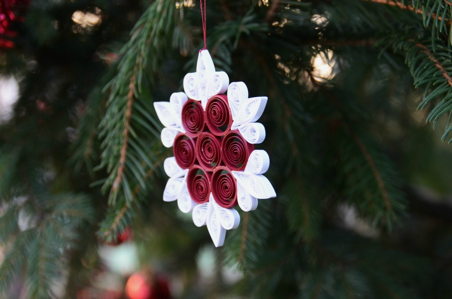 Easy and Beautiful Paper Quilling Ornament DIY