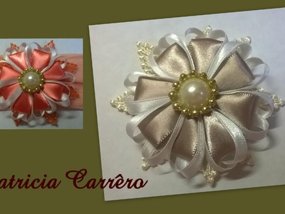 Flor de fita com renda de guipir \ Ribbon flower with income guipir