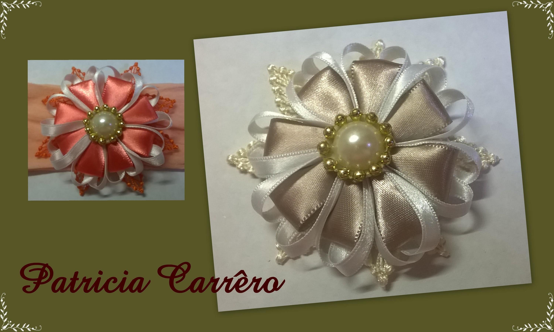 Flor de fita com renda de guipir \ Ribbon flower with income guipir