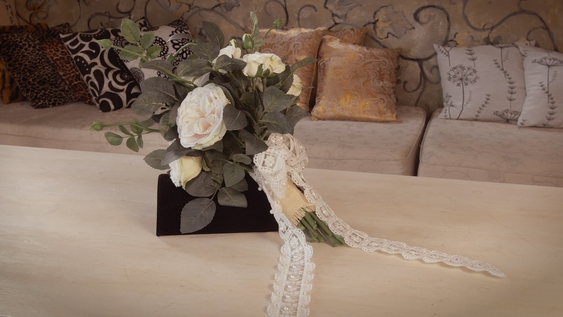 Flowers & Floristry Tutorial: Informal Garden Roses Bouquet