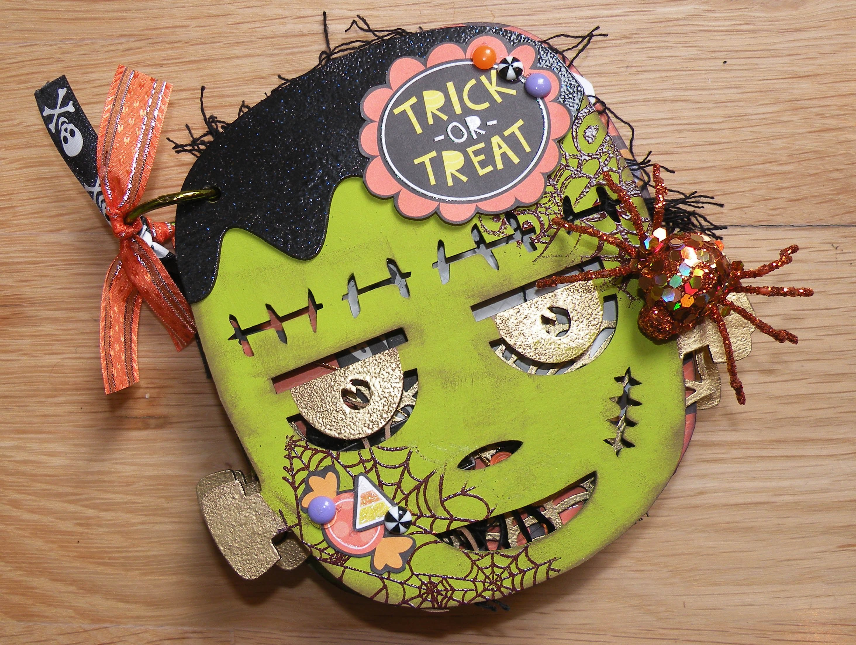 Halloween Mini Album - SaCrafters