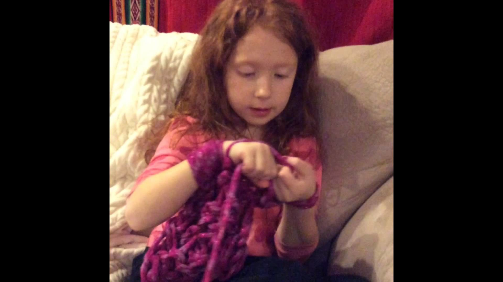 Super Cute DIY arm knitting tutorial demonstrated by an adorable 6 year old.