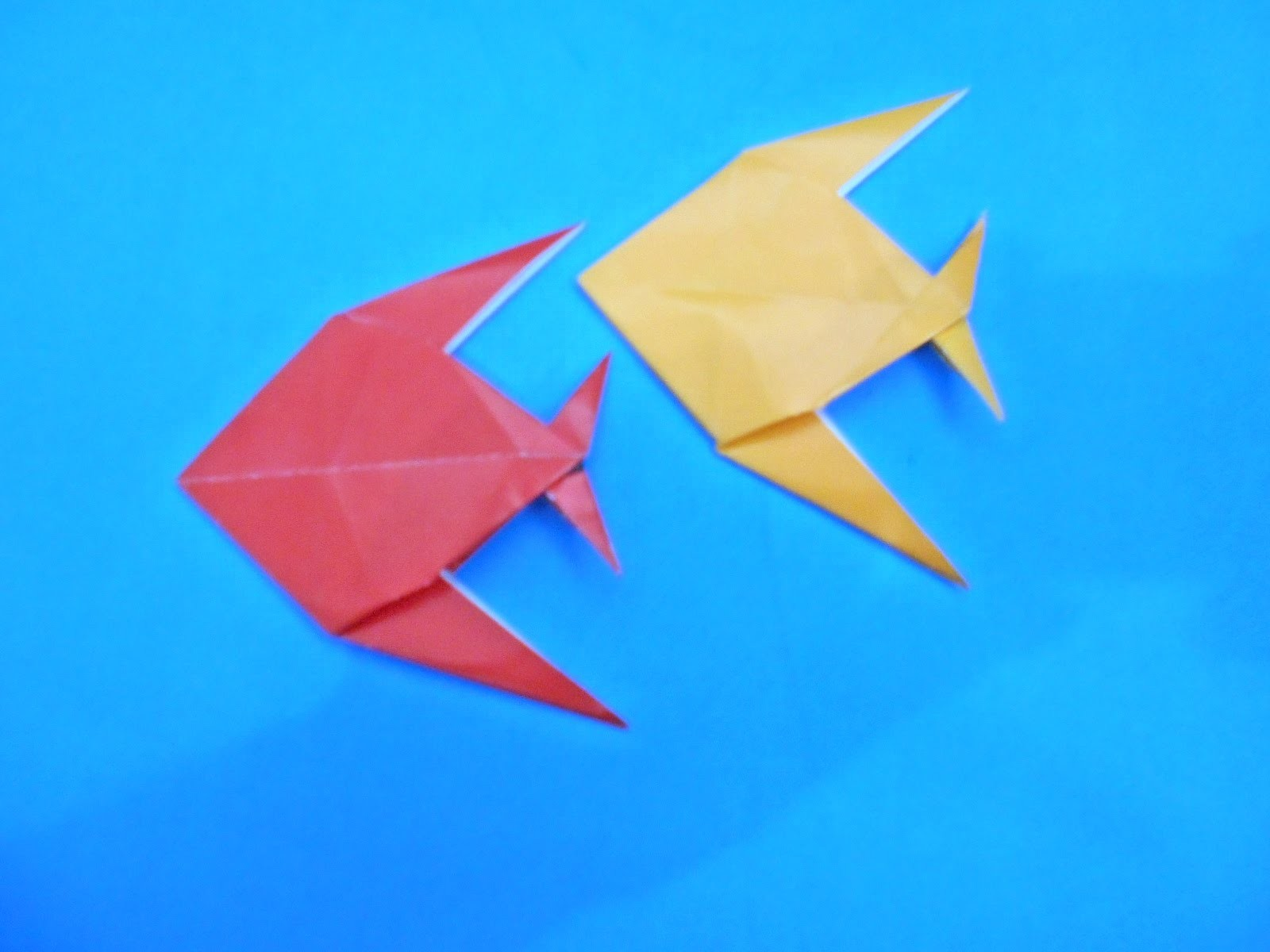 TUTORIAL ORIGAMI ANIMALS | How to fold an Easy origami ORNAMENTAL FISH INSTRUCTIONS