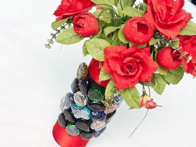 Create a Lovely Upcycled Pringles Can Vase - DIY Home - Guidecentral