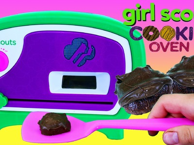 BEST COOKIES EVER!!! Girl Scouts Cookie Oven NEW DIY Yummy Desserts & Treats by DisneyCarToys