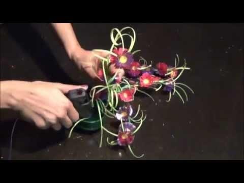 Reuse DIY: How to make flower showpiece using plastic bottles?