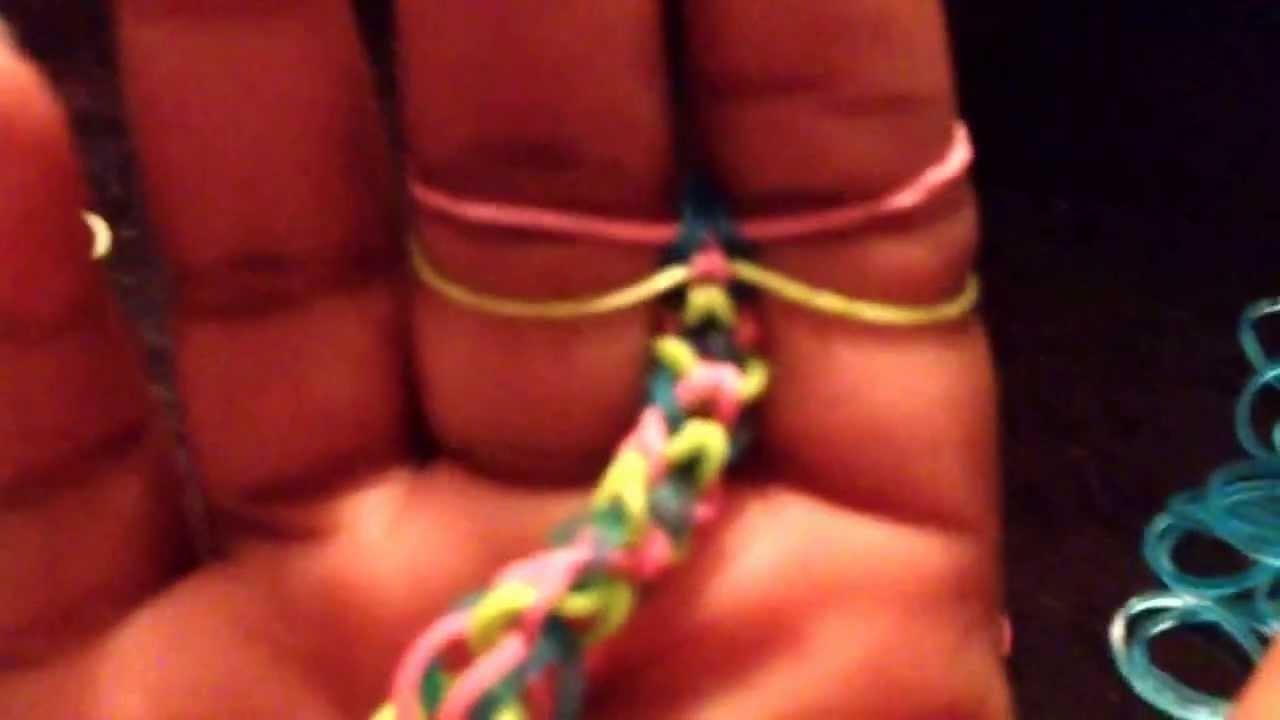 D.I.Y Inverted Fishtail Bracelet (finger)