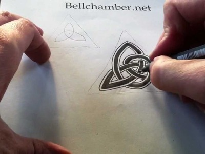 How to Draw Celtic Knots 5 - Clonmacnoise Triskele #2