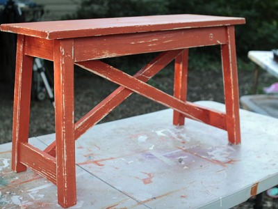 How to Paint and Distress a Rustic Wooden Bench- en español