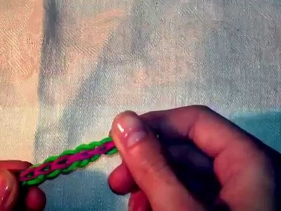 DIY bracciale con elastici incrocio rainbowloom