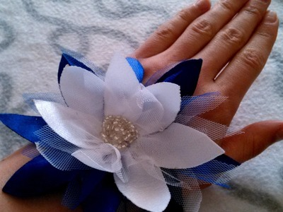 Make a Fabric Flower Summer Accessory - DIY Style - Guidecentral
