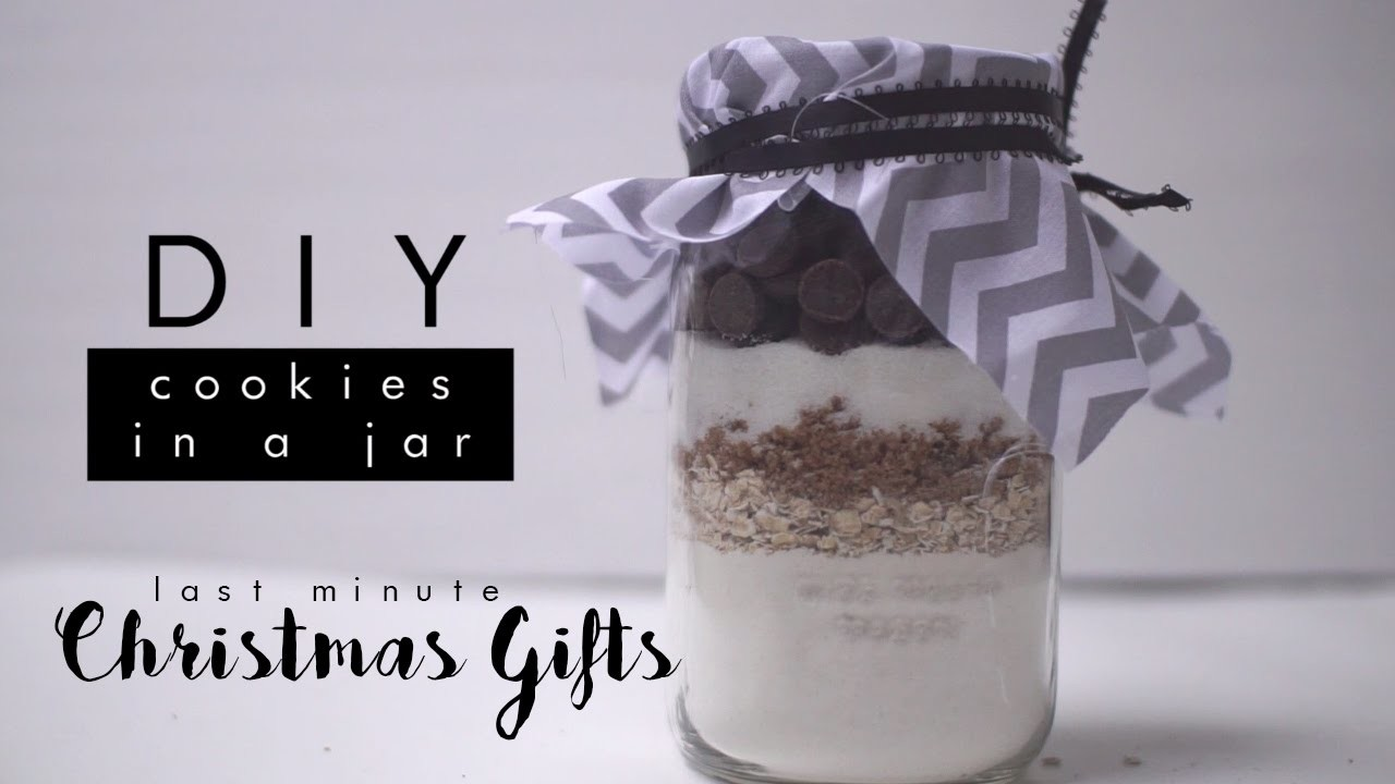 Last Minute Christmas Gifts | DIY Chocolate Chip Cookie Jar - Luxe and Linen