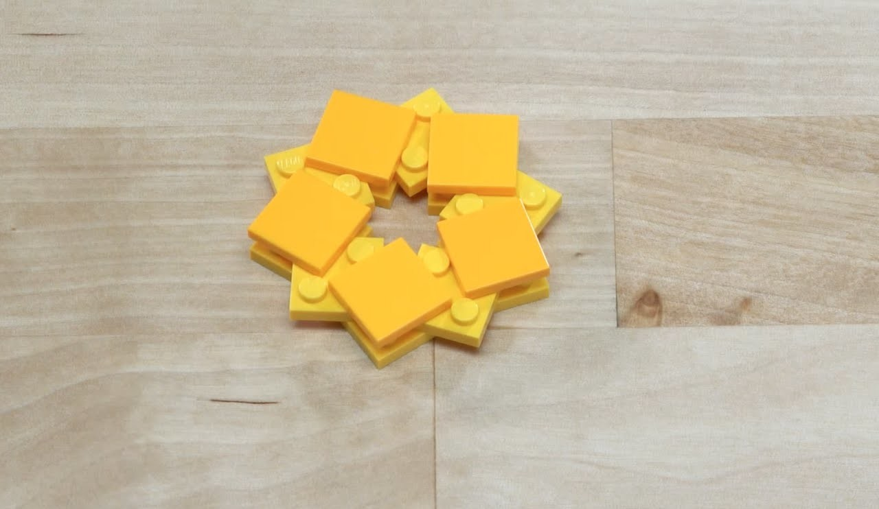 LEGO® Creator - How to Build a Golden Snowflake - DIY Holiday Building Tips