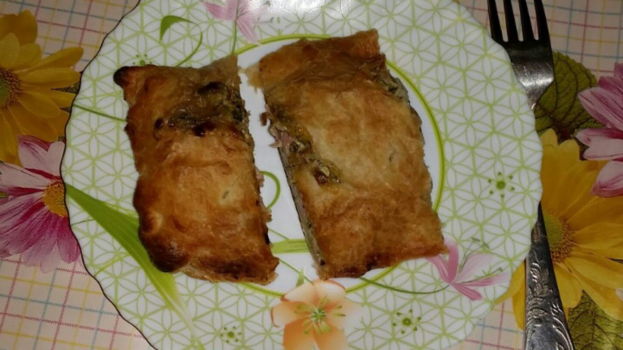 Make Ham Calzone with Champignon and Spinach - DIY Food & Drinks - Guidecentral