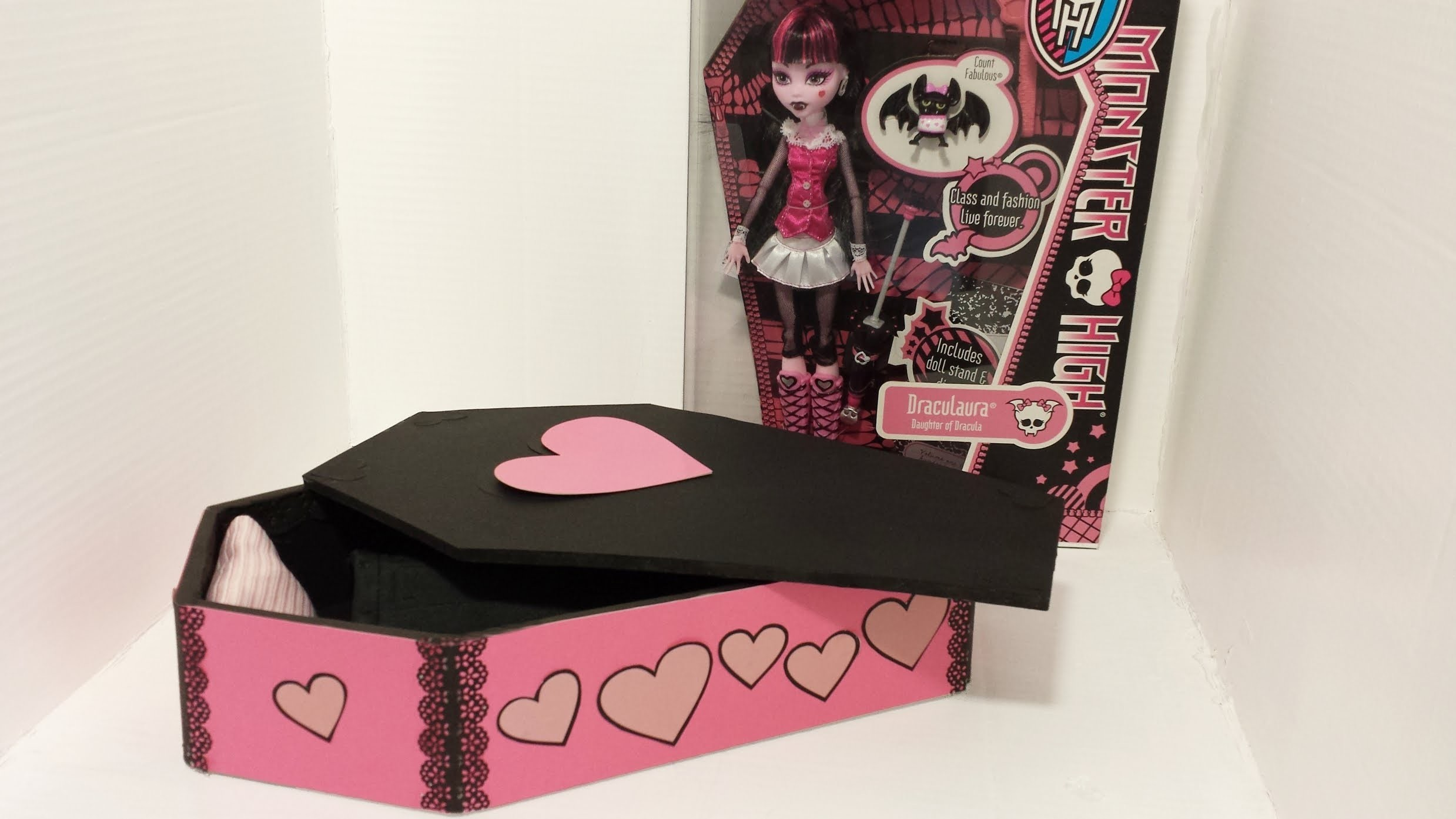 How To Make A Draculaura Bed Tutorial - Monster High