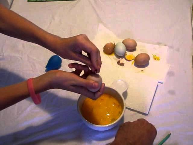 Blow Eggs Tutorial - Craft Project for Easter - Spring