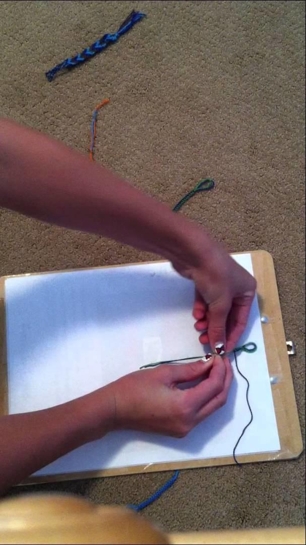 Friendship Bracelet Tutorial-Two Color Alternating Knot