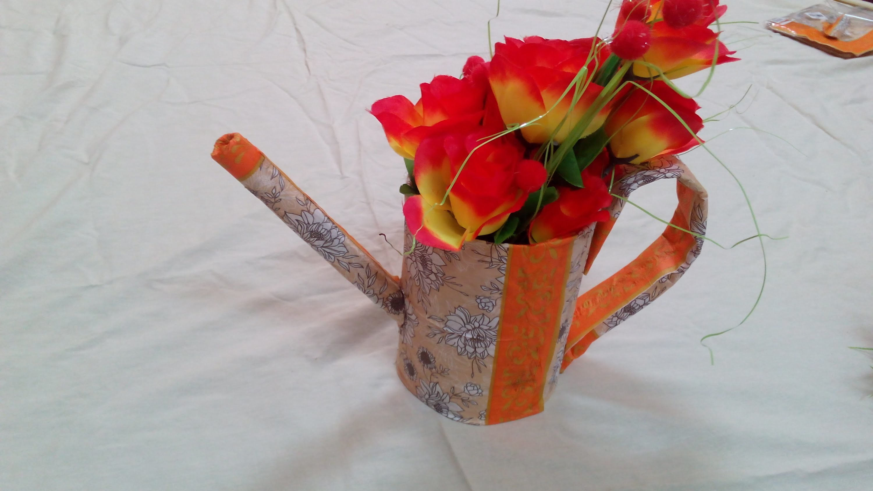 How to Make a Watering Can Flower Pot - Recycling Ideas - Tutorial .