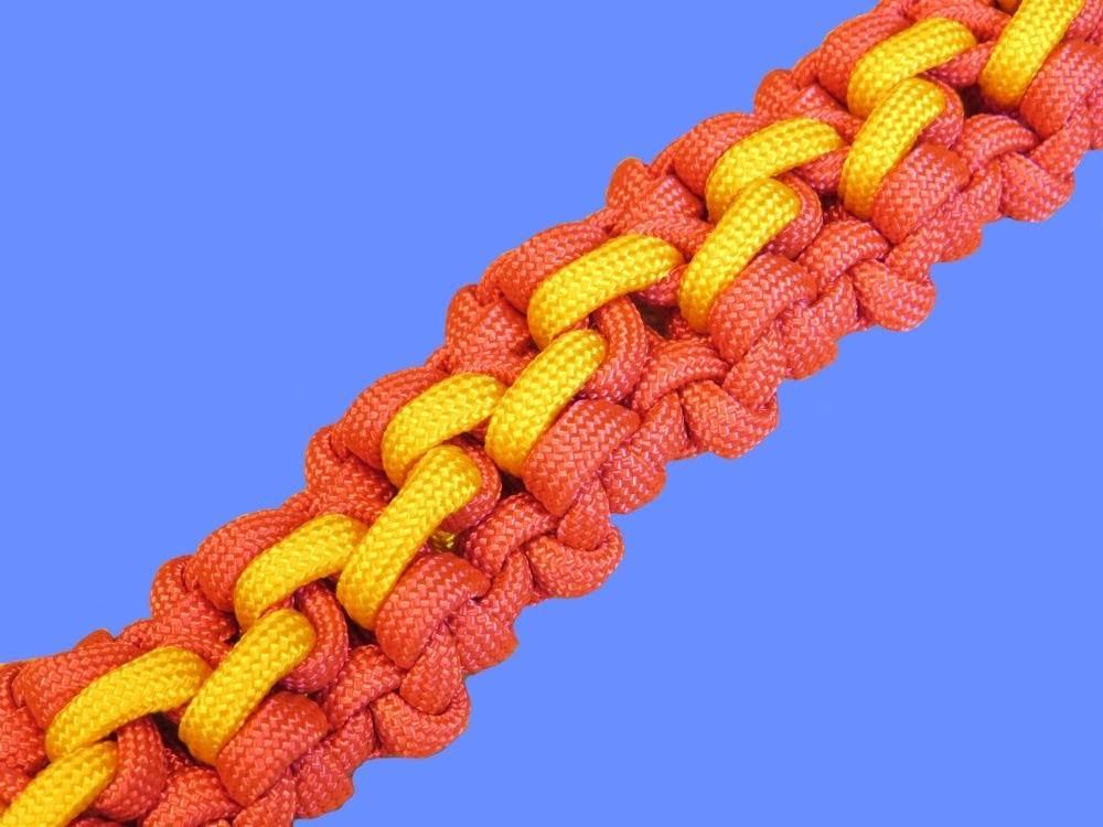 How to make a Crocodile Tracks Sinnet Paracord Bracelet Tutorial (Paracord 101)