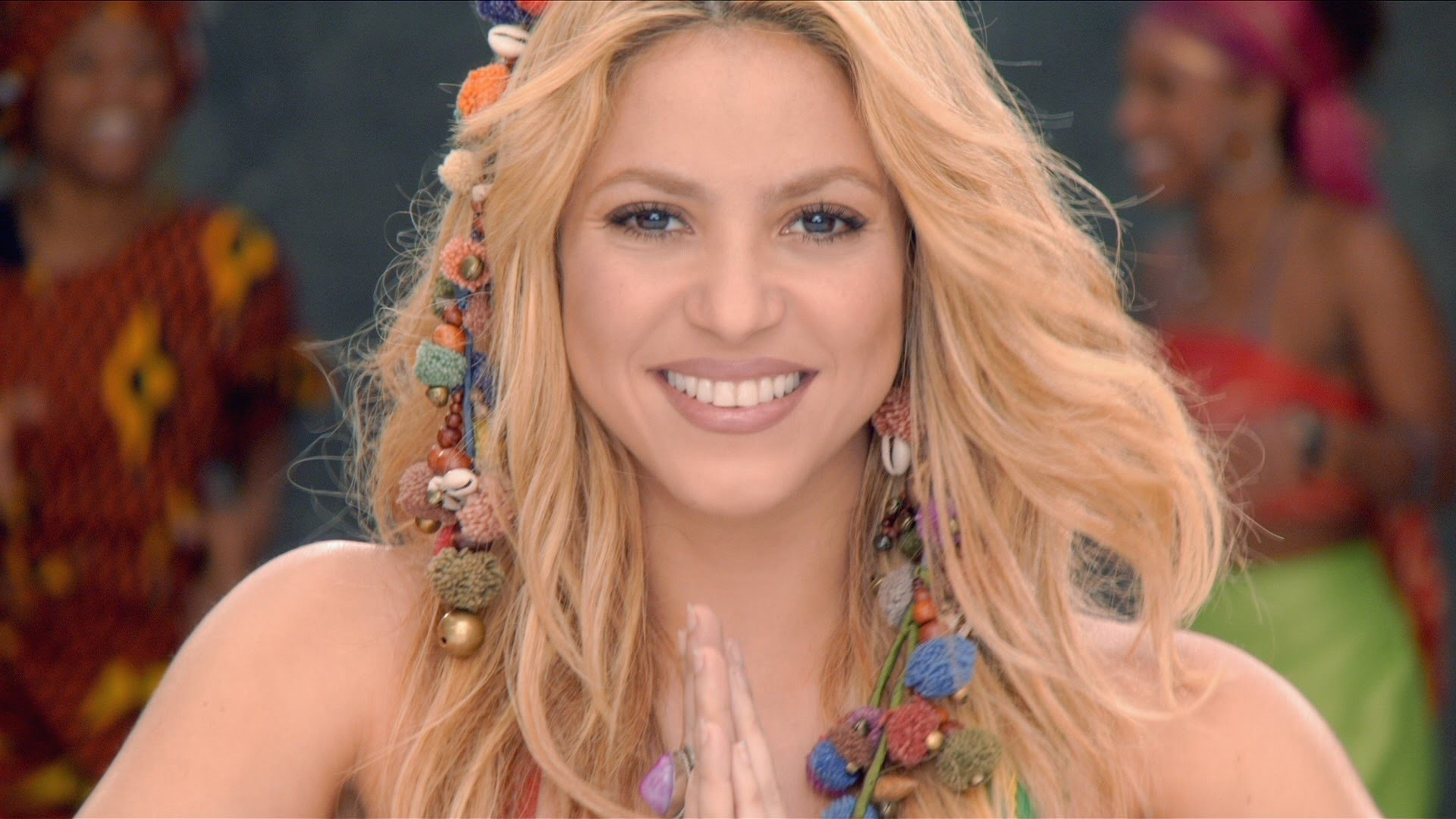 Shakira's Waka Hair Piece Tutorial
