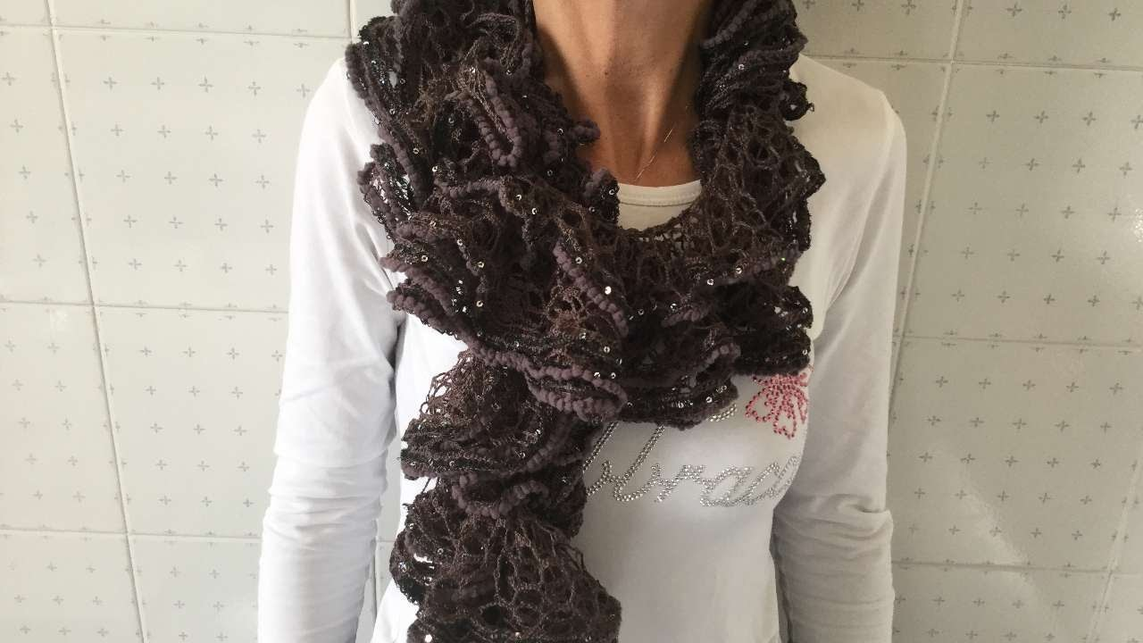 How To Make An Elegant Net Scarf - DIY Style Tutorial - Guidecentral