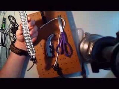 How to tutorial: Best Quick-deploy Blaze Bar Paracord Bracelet with Plastic Buckles