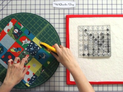 How To Fussy Cut for Quilting - Fat Quarter Shop