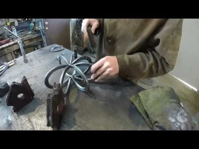 DIY How to Make a Horseshoe Pumpkin