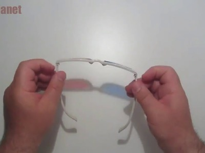 How to Make 3D Glasses with Common Items ?