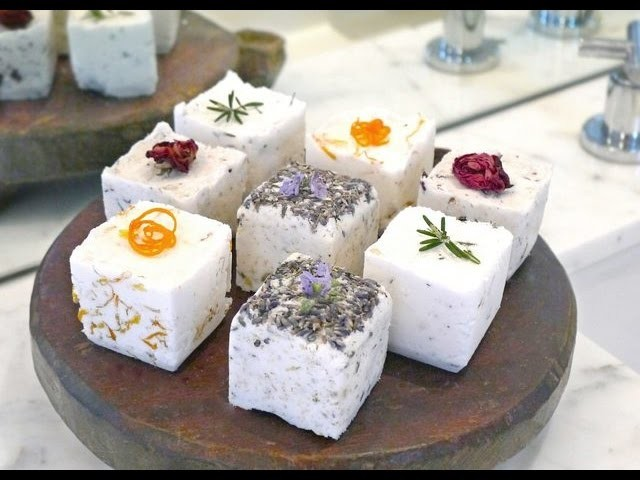 How to Make Bath Bombs Without Citric Acid