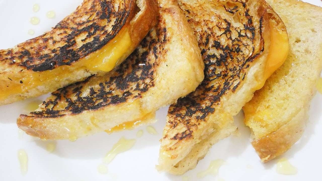 How To Make Yummy Cheddar And Honey Grilled Cheese - DIY  Tutorial - Guidecentral