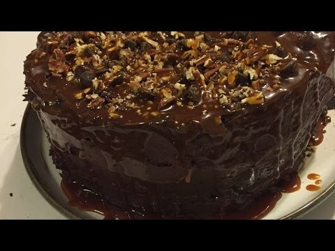 How To Make A Delicious Turtle Chocolate Cake - DIY Crafts Tutorial - Guidecentral