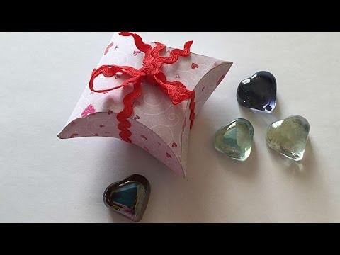 How To Make A Simple Valentine's Box - DIY Crafts Tutorial - Guidecentral