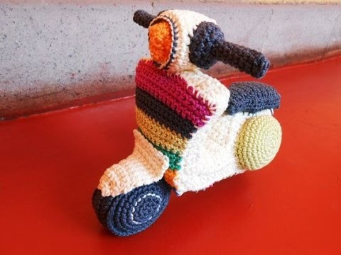 Crochet Tutorial - How to crochet Vespa - Amigurumi