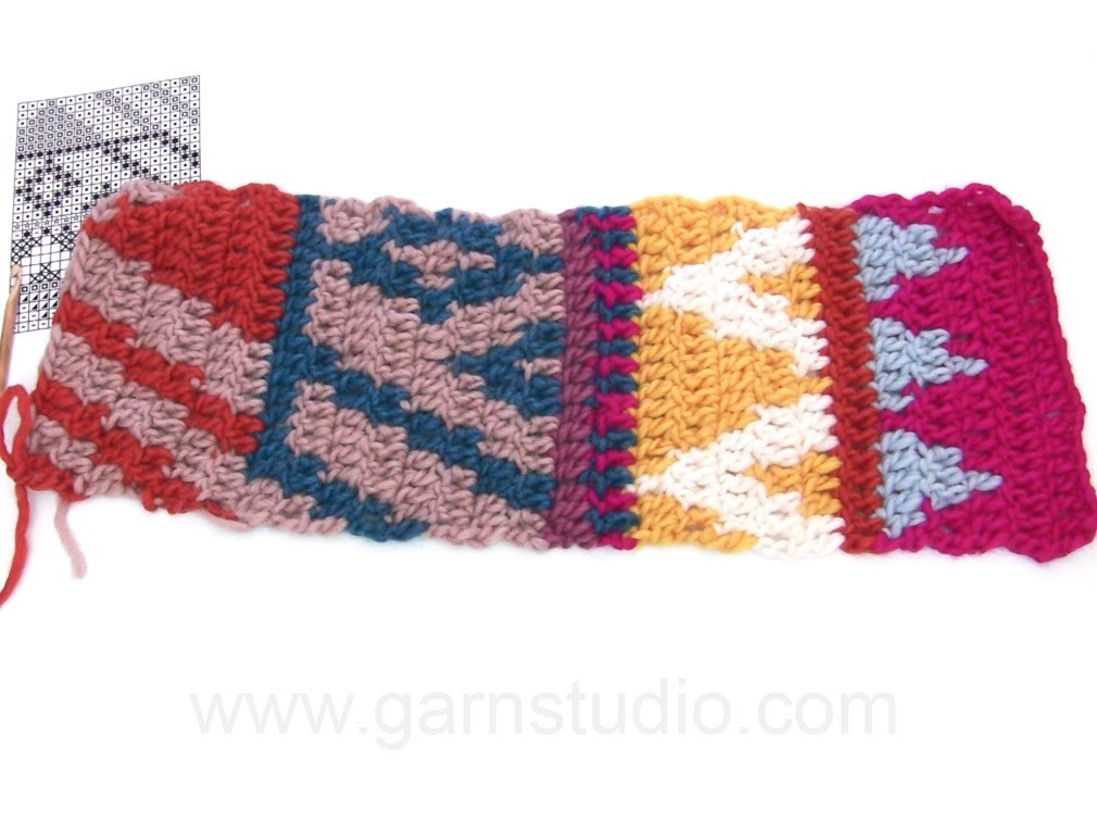 DROPS Crocheting Tutorial: How we work a carpet with colour pattern after chart.