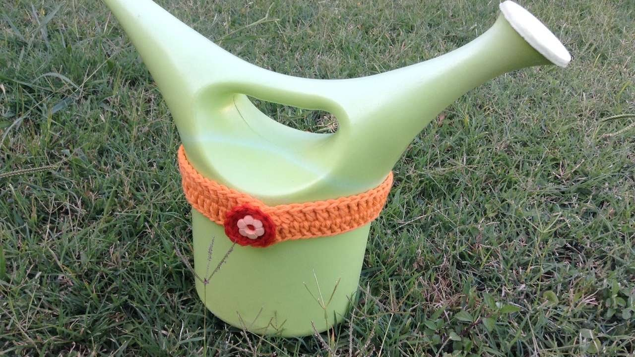 How To Decorate Your Watering Can - DIY Crafts Tutorial - Guidecentral