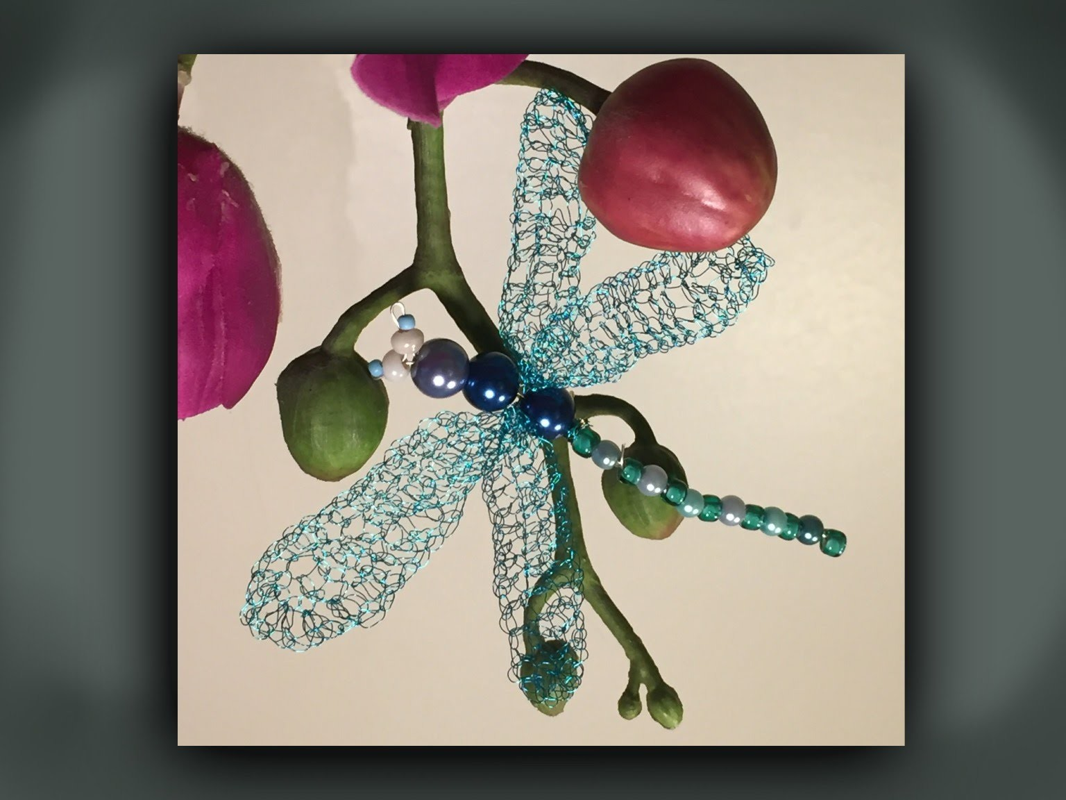 How to make a bead and wire dragonfly