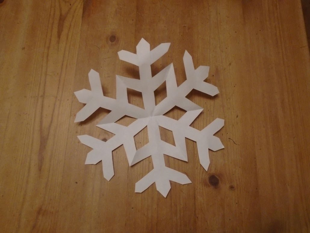 How to make a perfect paper snowflake