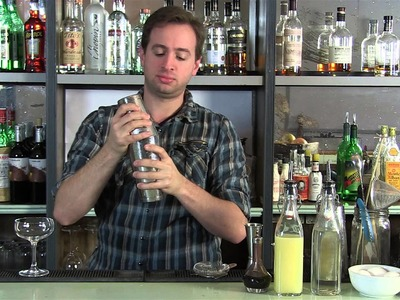How to Make a Perfect Whiskey Sour (with Egg White)