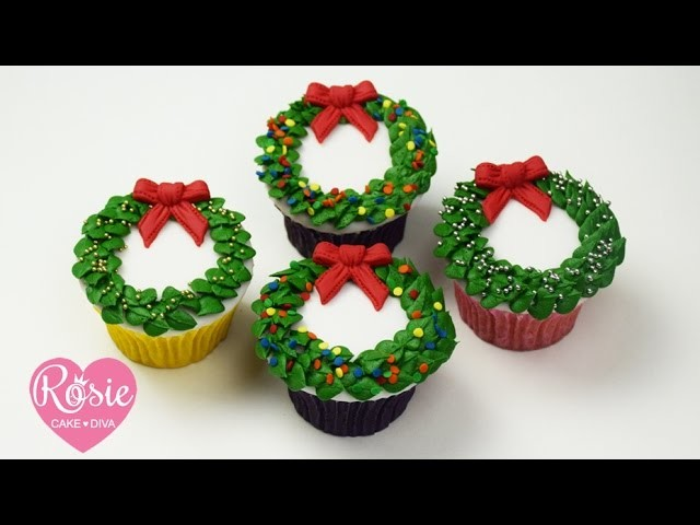 How to make a BUTTERCREAM CHRISTMAS WREATH CUPCAKE