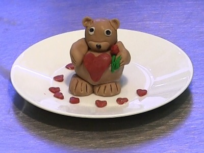 How to Make a Valentine's Teddy Bear Cake