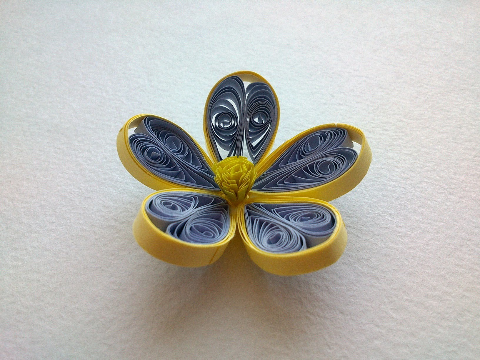 Quilling Tutorial: How to make Quilling Flower -Paper quilling Art Flower